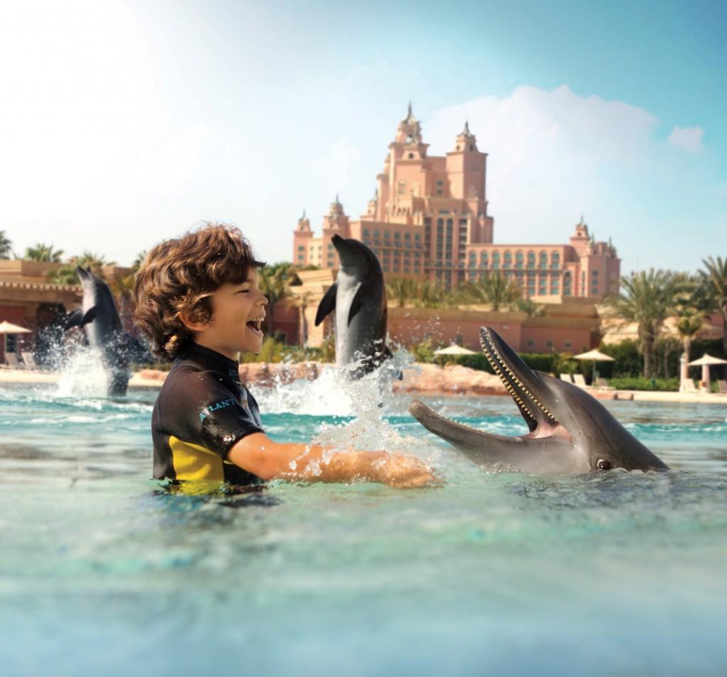 Atlantis_marine_and_waterpark_dolphin_bay