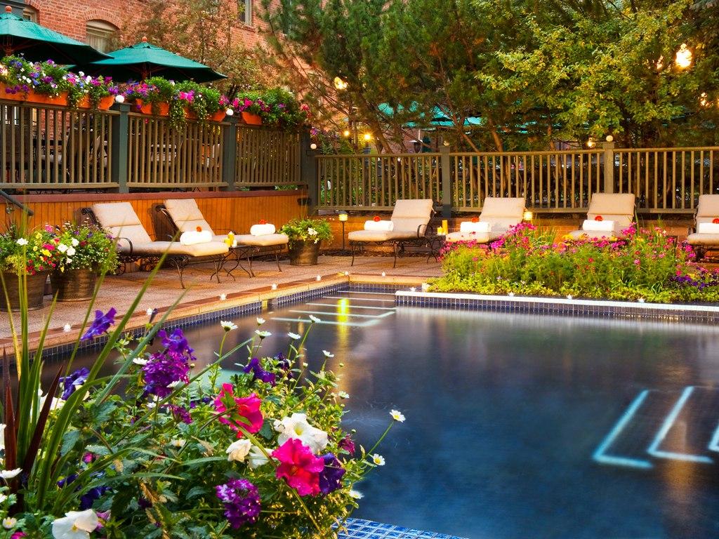 hotel-jerome-aspen-pool